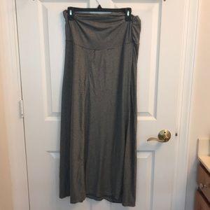 Size medium maternity skirt